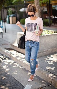 I like how these jeans are rolled and paired with a tucked in tee