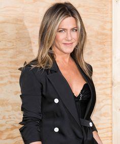 Jennifer Aniston Got Real About Rachel's Nipples On Friends #refinery29 http://www.refinery29.com/2017/08/168240/jennifer-aniston-rachels-nipples-always-showing-on-friends#slide-1