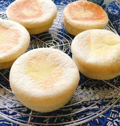 トースター焼きイングリッシュマフィン。