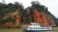 Obří Lešanský Buddha je oblíbenou turistickou atrakcí.