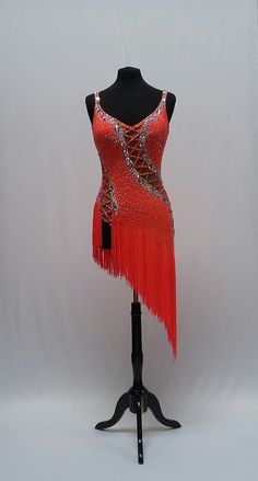 compete in ballroom dance competitions need the right dance dresses for each style of dance. Salsa Outfit, Salsa Dress, Latin Ballroom Dresses, Ballroom Dancing, Latin Dresses, Figure Skating Dresses, Dance Outfits, Dance Costumes, Dance Wear
