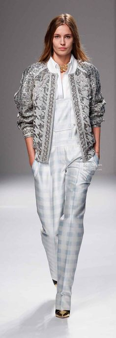 This is an incredibly creative collection from Balmain. It's young and fresh and incorporates superior tailoring crafts with every day styles. Grey Fashion, Runway Fashion, High Fashion, Fashion Show, Autumn Fashion, Fashion Outfits, Paris Fashion, Womens Fashion, Fashion Design