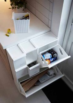 Ikea Retur recycling bin.