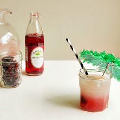 Fancy drink...swanky umbrella from ohhappyday.com