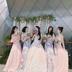 Hunnam hunnyeo🌱 Req pict hunnam or hunyeo,vsco tutorial ala hunnam hunyeo,good food comment and vote.thanks babe. Mode Ulzzang, Ulzzang Korean Girl, Ullzang Boys, Ulzzang Girl Fashion, Best Friend Couples, Couple Ulzzang, Korean Best Friends, Girl Friendship, Korean Wedding
