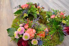 """""""Indian Summer Kranz"""" #kranz #herbst #rosen #nelken #chrysanthemen #moos #schenken #freude #blumen #blume2000 // Lieferbar bis zum 17.11.2014"""