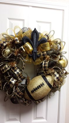 New Orleans Saints Wreath Deco Mesh Wreaths, Door Wreaths, Saints Wreath, Saints Gear, Sports Wreaths, Football Wreath, Vine Wreath, Nfl Season, Craft Show Ideas