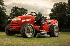Flash Grass: 109-HP Honda Mower Goes 0-60 mph in 4 Seconds (W/ Video) - MotorTrend WOT