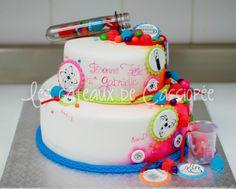 Thème scientifique pour une jeune fille.  Science themed cake for a girl. https://www.facebook.com/lesgateauxdecassiopee