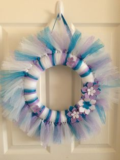 Wreath for a Frozen themed bedroom using tulle & felt flowers.