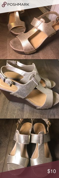 TODAY 20% off Bundles 🎉 Gold Slingback Wedges These shoes are awesome and cute! Pretty distressed gold Metallic straps and the wedge make them so comfortable. Cityclassified brand from Tilly's Tilly's Shoes Wedges