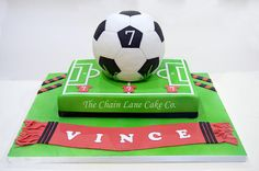 Football & pitch - Cake by The Chain Lane Cake Co.