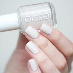 love this 'between the seats' mani from the essie bridal 2016 collection.