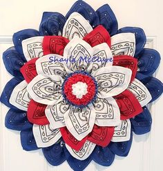 I adore this brilliant patriotic design! Made by Shayla McClure using the Flower Frame. Burlap Flower Wreaths, Fabric Wreath, Deco Mesh Wreaths, Burlap Wreath, Bandana Wreaths, Deco Mesh Crafts, Floral Wreaths, Patriotic Wreath, Patriotic Crafts