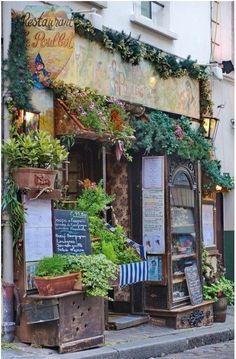 Le Poulbot, Paris. (via msanzub/Fancy)....Calgon...Take Me Away!