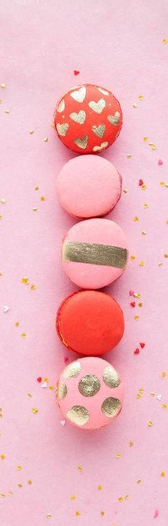 Lovely Valentine's Day macrons (scheduled via http://www.tailwindapp.com?utm_source=pinterest&utm_medium=twpin&utm_content=post650259&utm_campaign=scheduler_attribution)