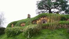 hobbiton Hobbit Hole, The Hobbit, Witch Cottage, Middle Earth, Lotr, New Zealand, Serenity, Cool Pictures, Cool Art