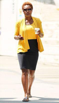 Viola Davis missing her pumps Viola Davis, Teeny Weeny Afro, Afro Style, Natural Styles, Natural Hair Inspiration, African American Women, Madame, Beautiful Black Women, Brazilian Hair
