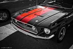 http://th04.deviantart.net/fs70/PRE/f/2010/042/8/2/mustang_racing_stripes_by_AmericanMuscle.jpg