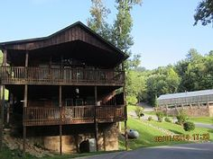 COZY,+CLEAN+Come+Relax+Enjoy+the+holidays-year+round+pool-close+to+outlet/shows+++Vacation Rental in Tennessee from @homeaway! #vacation #rental #travel #homeaway