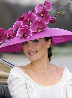 51de69cb15d Hats Off To Victoria Pendleton In Purple To Launch Royal Ascot