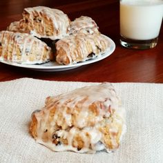 Simple Cinnamon Raisin Scones by Rumbly in my Tumbly. Perfect for Thanksgiving or Christmas morning. Almond Nails French, Easy Soup Recipes, Shake Recipes, Baking Recipes, Yummy Recipes, Simple Recipes, Bread Recipes, Sweet Recipes, Chicken Recipes