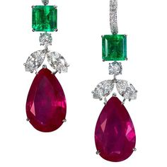 These Colombian emerald, Burmese ruby and diamond earrings from @moussaieffjewellers were presented at @masterpiecelondon. Set in platinum they are set with 6.88 carats of emeralds, 40.23-carats of rubies and 5.25-carats of diamonds. 💚♥️💎 perfection!
