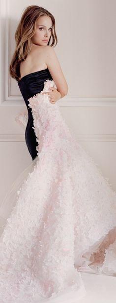 Natalie Portman in Dior.  Via @jinab. #Dior #NataliePortman