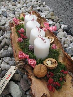 15 Fabulous Christmas Candle Decoration Ideas to delight your Holiday Weihnach. - 15 Fabulous Christmas Candle Decoration Ideas to delight your Holiday Weihnachten - Christmas Advent Wreath, Christmas Candle Decorations, Advent Candles, Christmas Candles, Rustic Christmas, Simple Christmas, Christmas Crafts, Christmas Holidays, Table Decorations