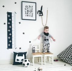 The cool kid in his monochrome room!