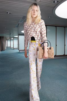 Giambattista Valli Resort 2015 Fashion Show - Maja Salamon