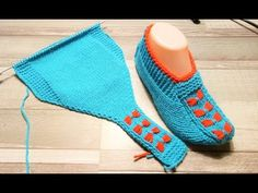ТАПОЧКИ-СЛЕДКИ НА ДВУХ СПИЦАХ//DIY - YouTube Knitting Paterns, Knitting Videos, Easy Knitting, Knit Patterns, Knitting Socks, Knitted Slippers, Crochet Slippers, Knit Crochet, Primitive Doll Patterns