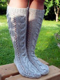 KARDEMUMMAN TALO: Palmikkokiertoa peilikuvaksi Knitting Socks, Leg Warmers, Legs, Accessories, Fashion, Knit Socks, Leg Warmers Outfit, Moda, Fashion Styles