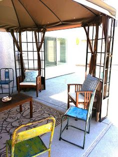 Vintage chairs from #TuesdayMorning make a great addition to this outdoor oasis from @food_n_BEVERage