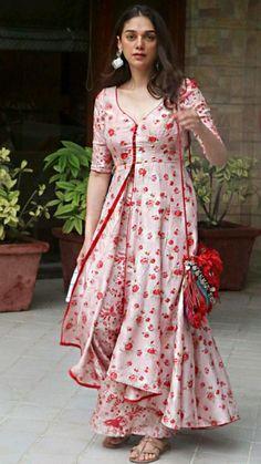 Sharara Designs, New Kurti Designs, Kurta Designs Women, Kurti Designs Party Wear, Casual Indian Fashion, Indian Fashion Dresses, Indian Designer Outfits, Indian Dresses For Women, Winter Fashion