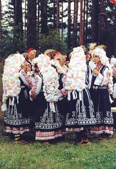 FolkCostume&Embroidery: Costume of Sofia area, Shope region, Bulgaria Kinds Of Dance, Folk Dance, Folk Fashion, Folk Costume, My Heritage, Traditional Dresses, Folklore, Pictures, Shopping