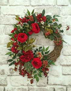 Red Silk Flower Wreath, Front Door Wreath, Grapevine Wreath, Summer Wreath, Wreath on Etsy - This beautiful red silk floral wreath was Wreath Crafts, Diy Wreath, Grapevine Wreath, Wreath Ideas, Wreath Making, Wreath Burlap, Wreath Fall, Diy Crafts, Valentine Day Wreaths