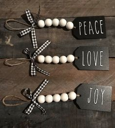 Are you searching for inspiration for farmhouse christmas decor? Check this out for cool farmhouse christmas decor inspiration. This unique farmhouse christmas decor ideas appears to be entirely brilliant. Diy Christmas Decorations Easy, Diy Christmas Ornaments, Diy Christmas Gifts, Rustic Christmas, Holiday Crafts, Christmas Holidays, Stocking Ornaments, Christmas Ideas, Christmas Bead Garland