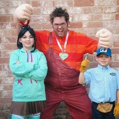 Some friends of ours had an awesome family Halloween costume!   Wreck It Ralph- Ralph, Vanellope and Fix It Felix... Look who I found on reddit!!! :)