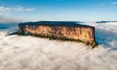 Mount Roraima is a stunning natural geographical structure, a mountain with a summit so flat that it could be an African plane above the clouds.