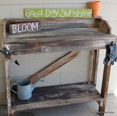 Rustic Pallet Potting Bench http://bec4-beyondthepicketfence.blogspot.com/2013/03/rustic-pallet-potting-bench.html