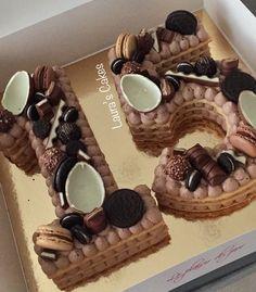 Number cake chocolate 🍫 (Nutella, enfants, Ferrero, oreo) - Laura's Cakes . Number Birthday Cakes, 15th Birthday Cakes, Candy Birthday Cakes, Number Cakes, Nutella Birthday Cake, Nutella Cake, Oreo Cake, Unicorne Cake, Cake Chocolate