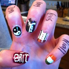 Tori's One Direction nails <3