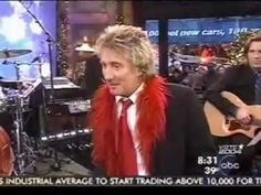 "Rod Stewart on GMA. Short talk with presenter before performing ""I've Got My Love To Keep Me Warm"" from his album ""Thanks for the Memory. Blue Christmas, Christmas Music, Beautiful Christmas, Christmas Time, Merry Christmas, Rod Stewart Concert, Gma Tv, Christmas Songs Playlist, Traditional Christmas Songs"