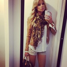 cute outfit - I would wear this in fall with khaki pants vs. shorts. CUTE!