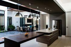 Buscá imágenes de diseños de  estilo  de Oscar Hernández - Fotografía de Arquitectura. Encontrá las mejores fotos para inspirarte y creá tu hogar perfecto.