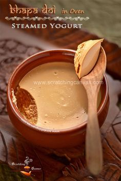 Bhapa Mishti Doi (Nolen Gurer Mishti Doi) is a popular dessert.This Bengali Bhapa Doi is known as Sweet Yogurt with Date Palm Jaggery to rest of the world. Indian Dessert Recipes, Indian Sweets, Sweets Recipes, Desert Recipes, Cooking Recipes, Indian Snacks, Bhapa Doi Recipe, Bengali Food, Sugar Cookies Recipe