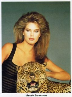 They posed with exotic animals. | 45 Reasons Why Supermodels Were Better In The '80s