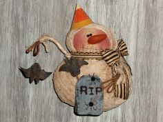 Halloween Doll, Halloween Ornaments, Snowman Ornaments, Snowmen, Christmas Tree Wreath, Christmas Snowman, Christmas Tree Decorations, Primitive Stitchery, Primitive Patterns