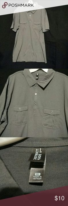 Men's pullover shirt, short sleeve Gray pullover with 3 button placket, buttoned pocket left and right breast, short sleeve, 60% cotton/40% polyester, brand new never worn district made Shirts Casual Button Down Shirts